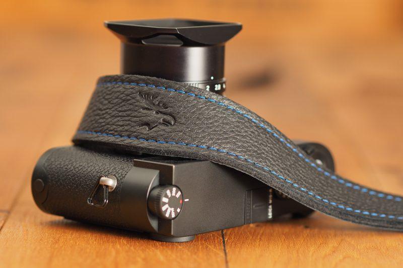 3579 schwarz KN blau mit Leica M10R