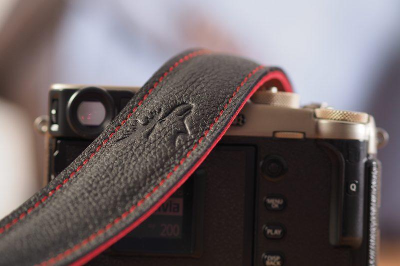 4215 schwarz/rot EDDYCAM